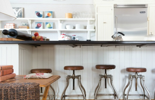 Love these vintage swivel barstools and open shelves in this kitchen kellyelko.com