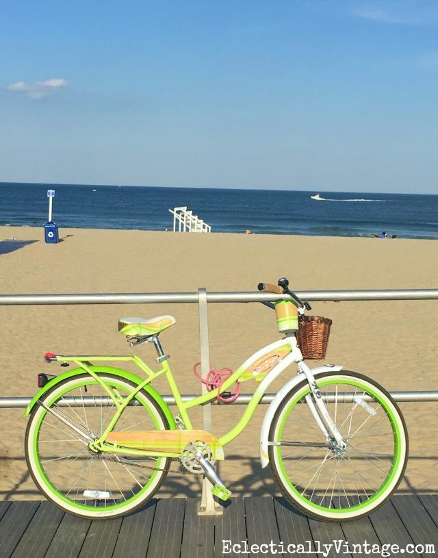 summer must haves - love this beach cruiser kellyelko.com