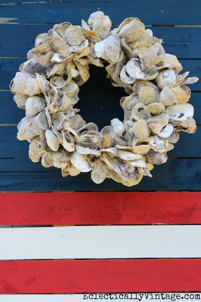 Coastal flag - love the oyster shell wreath kellyelko.com