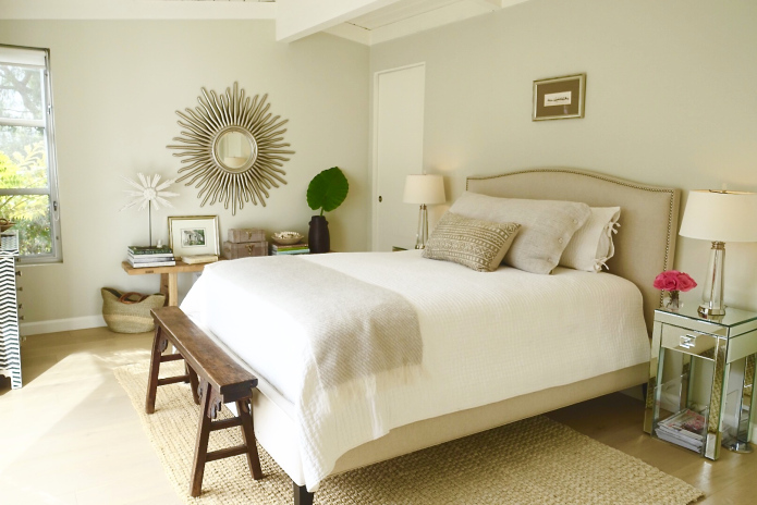 Neutral bedroom - love the upholstered headboard and bench at the foot of the bed kellyelko.com
