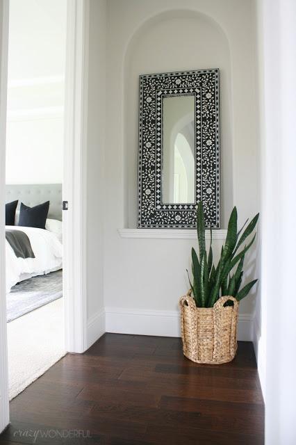 DIY black and white inlaid mirror kellyelko.com