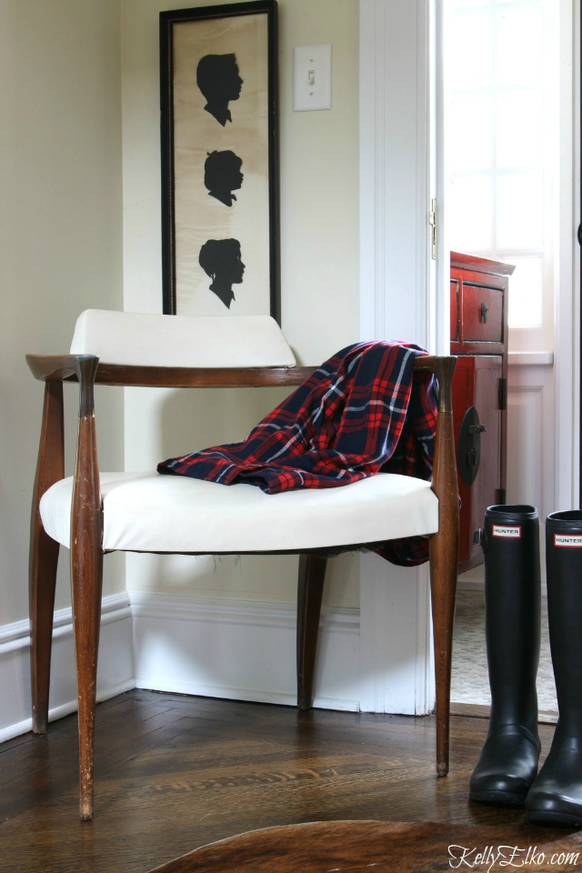 mid-century-chair-foyer