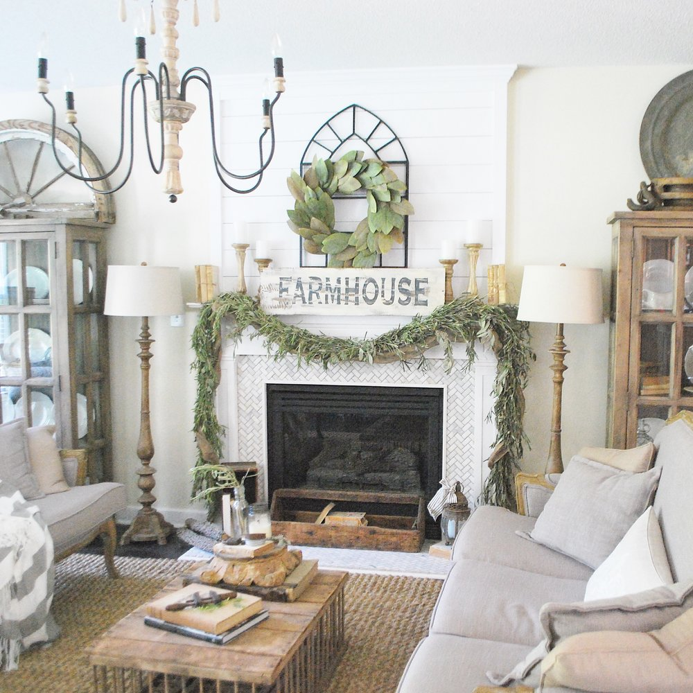 Eclectic Home Tour of Plum Pretty Decor - she has such amazing farmhouse style kellyelko.com