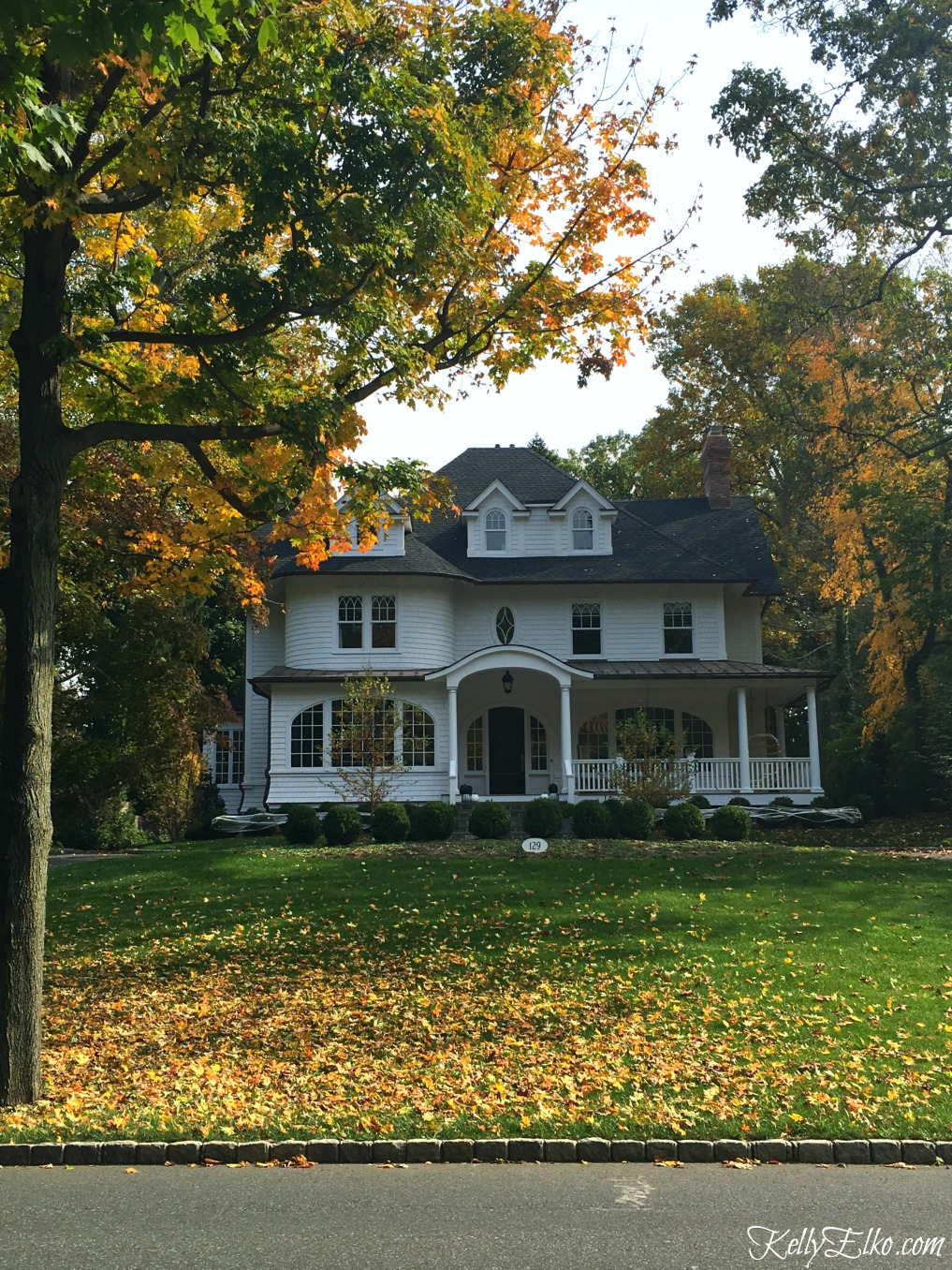 Curb appeal fall homes - this old house is stunning against the fall foliage kellyelko.com