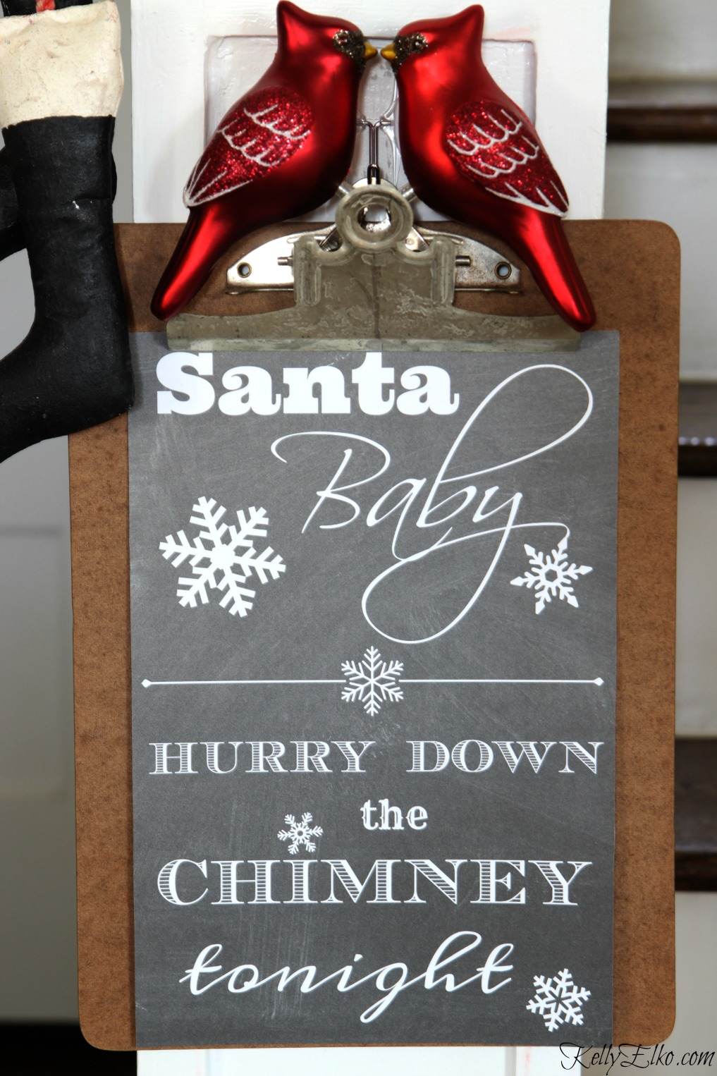 Love this Santa Baby Free Christmas Printable! kellyelko.com