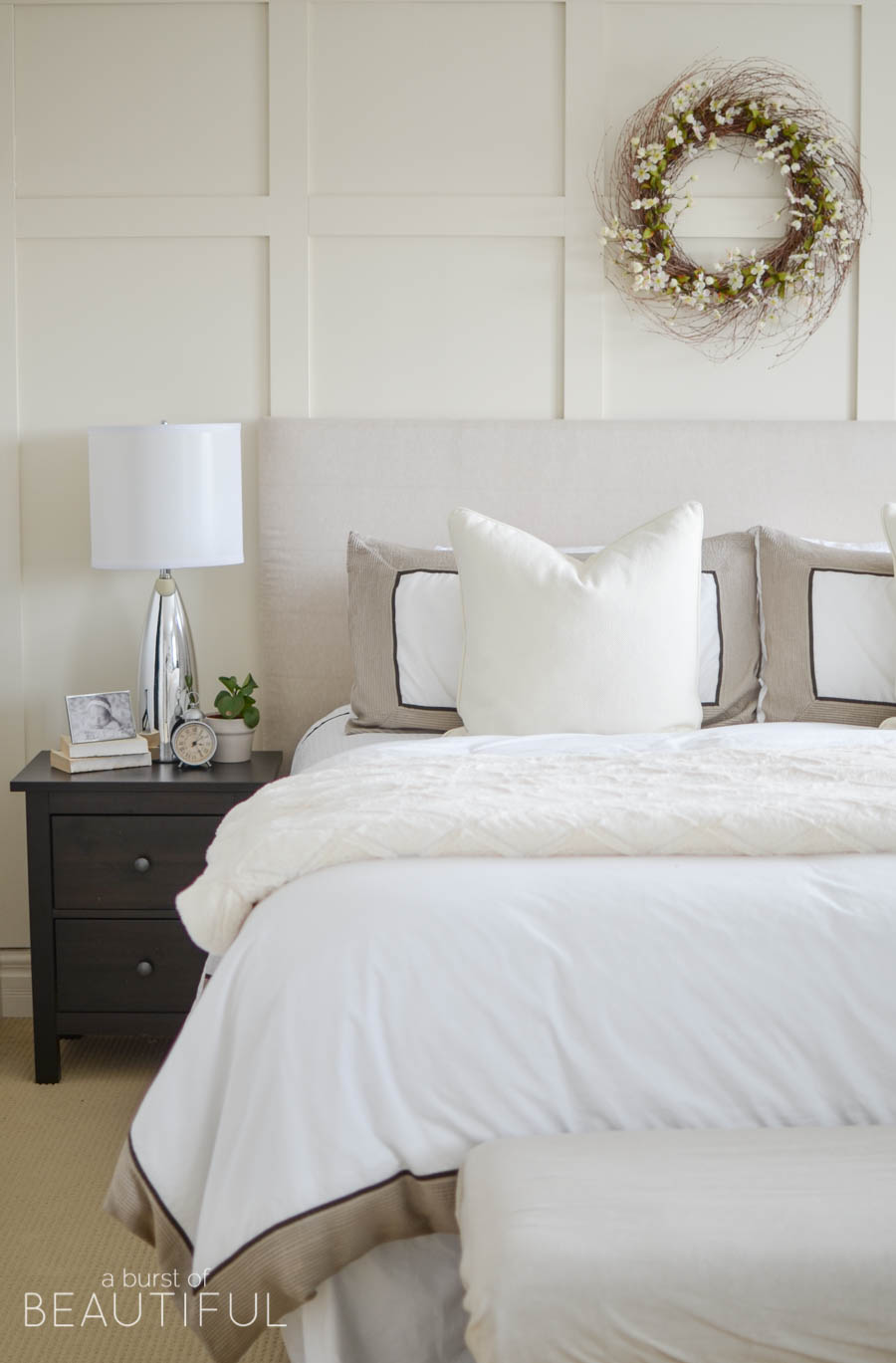 Eclectic home tour a burst of beautiful kelly elko for R kelly bedroom boom