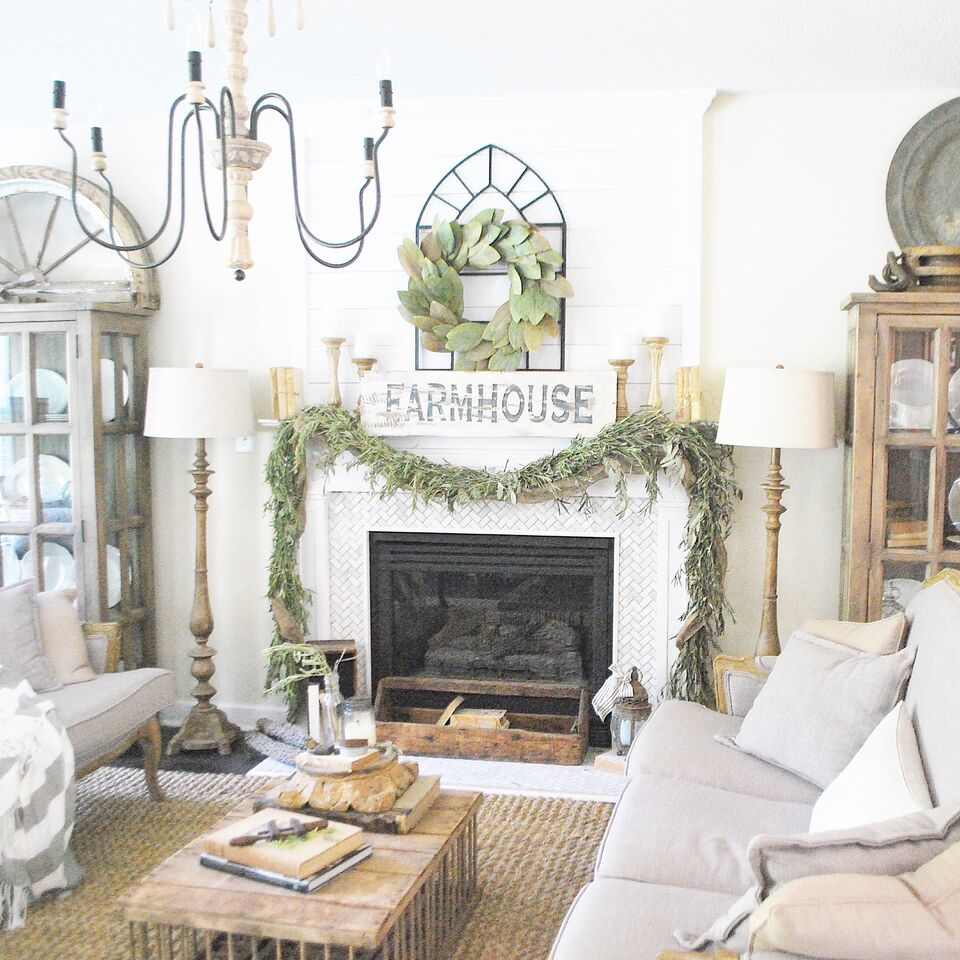 Eclectic home tour plum pretty decor kelly elko for Eclectic home decor