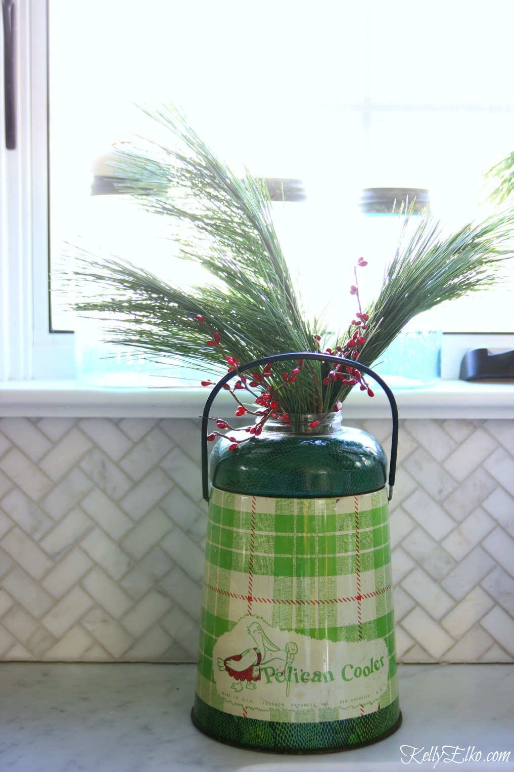 Vintage Pelican cooler makes a great Christmas planter kellyelko.com