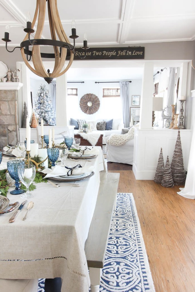 Christmas dining room in shades of blue