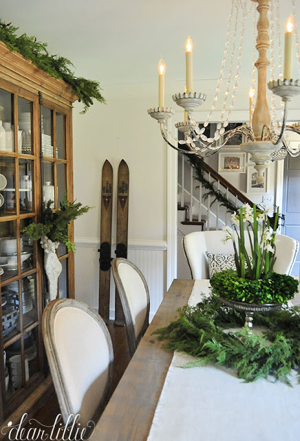 Christmas dining room with stacked wreath centerpiece