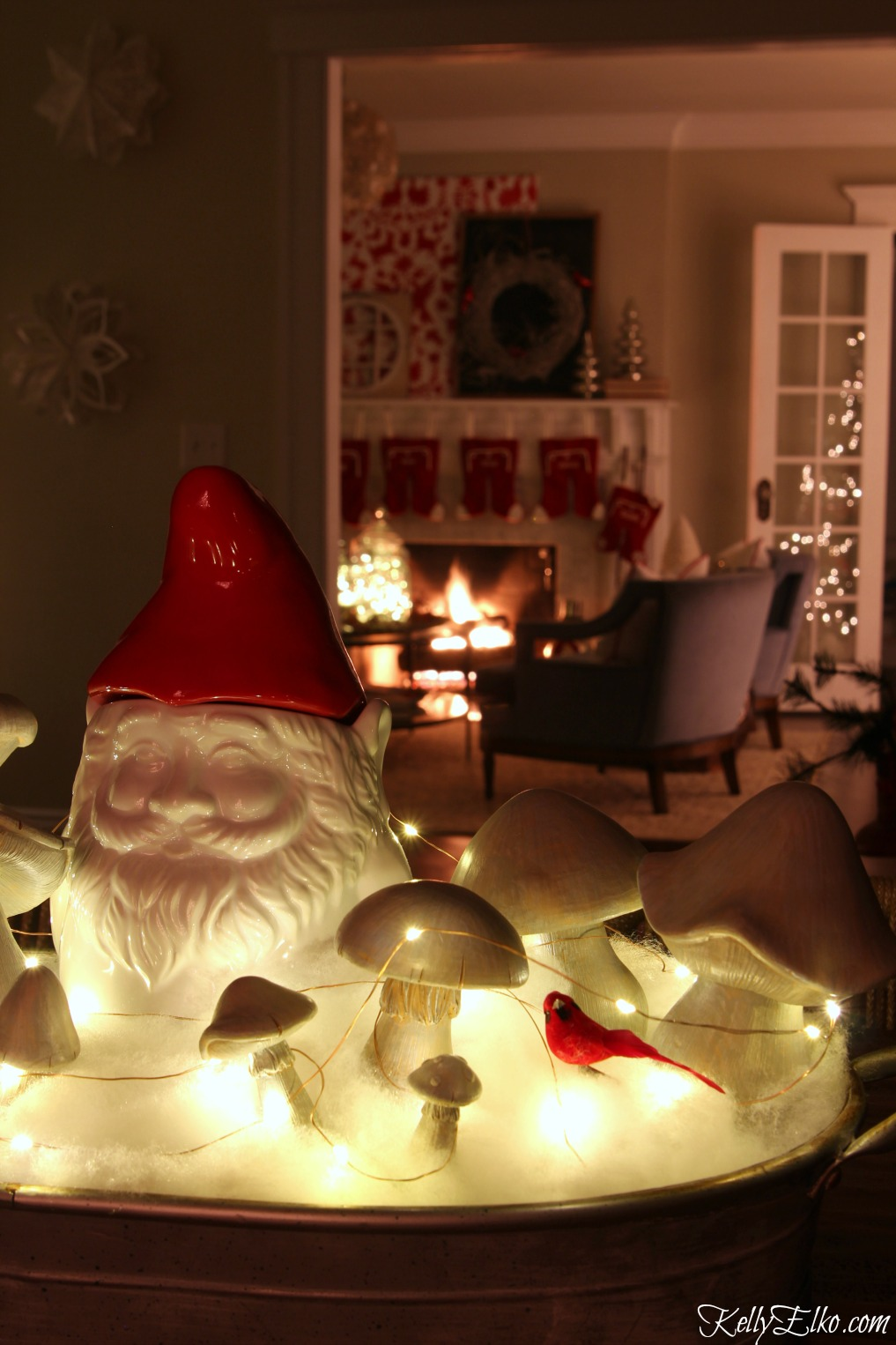 Christmas Lights at Night Home Tours - 35 homes by the glow of light - love this fun gnome centerpiece kellyelko.com
