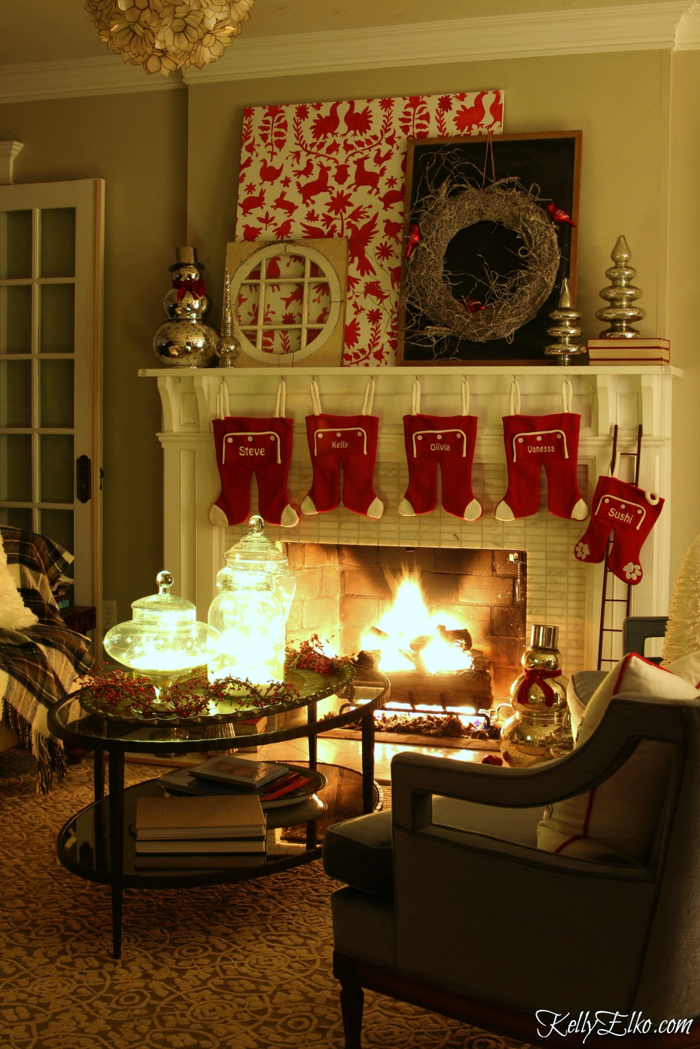 Christmas Lights at Night Home Tours - 35 homes by the glow of light - love this gorgeous mantel kellyelko.com