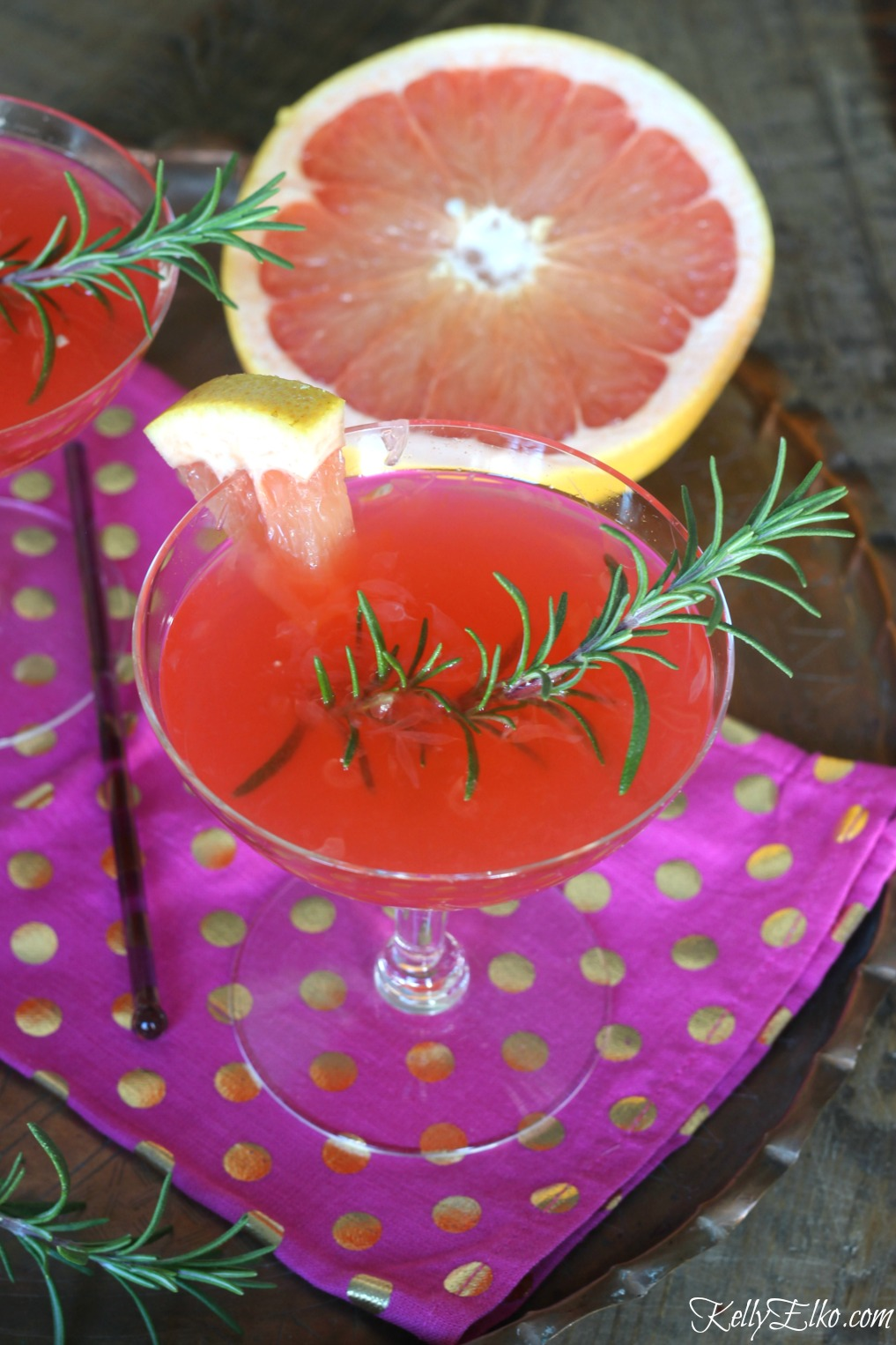 Festive Grapefruit Cocktail - mix up a batch for your next party and impress your guests kellyelko.com