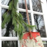 How to turn everyday vintage finds into Christmas decorations kellyelko.com #vintage #vintagechristmas #christmaswreath #farmhousechristmas #kellyelko