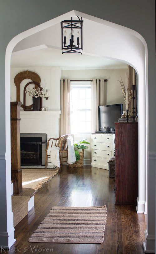 Eclectic Home Tour of Rustic and Woven blog - love the neutral farmhouse style kellyelko.com