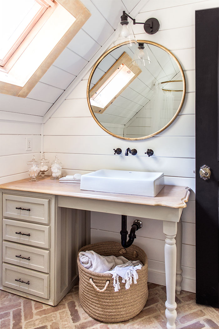 Small bathroom vanity vessel sink