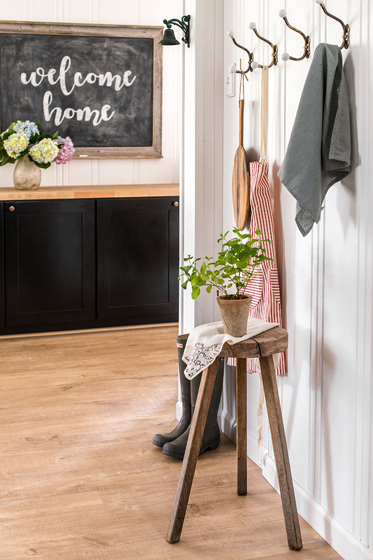 Entry with vintage style coat hooks
