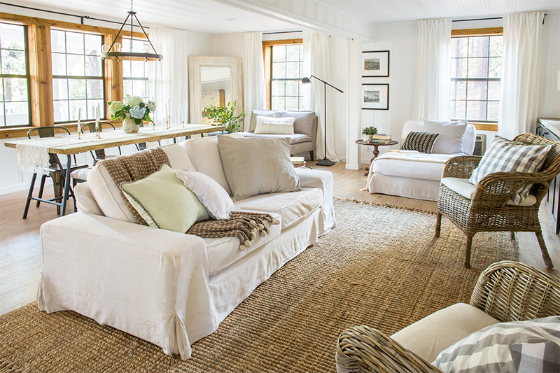 Neutral cottage home tour filled with lots of texture from seagrass, wicker and wood