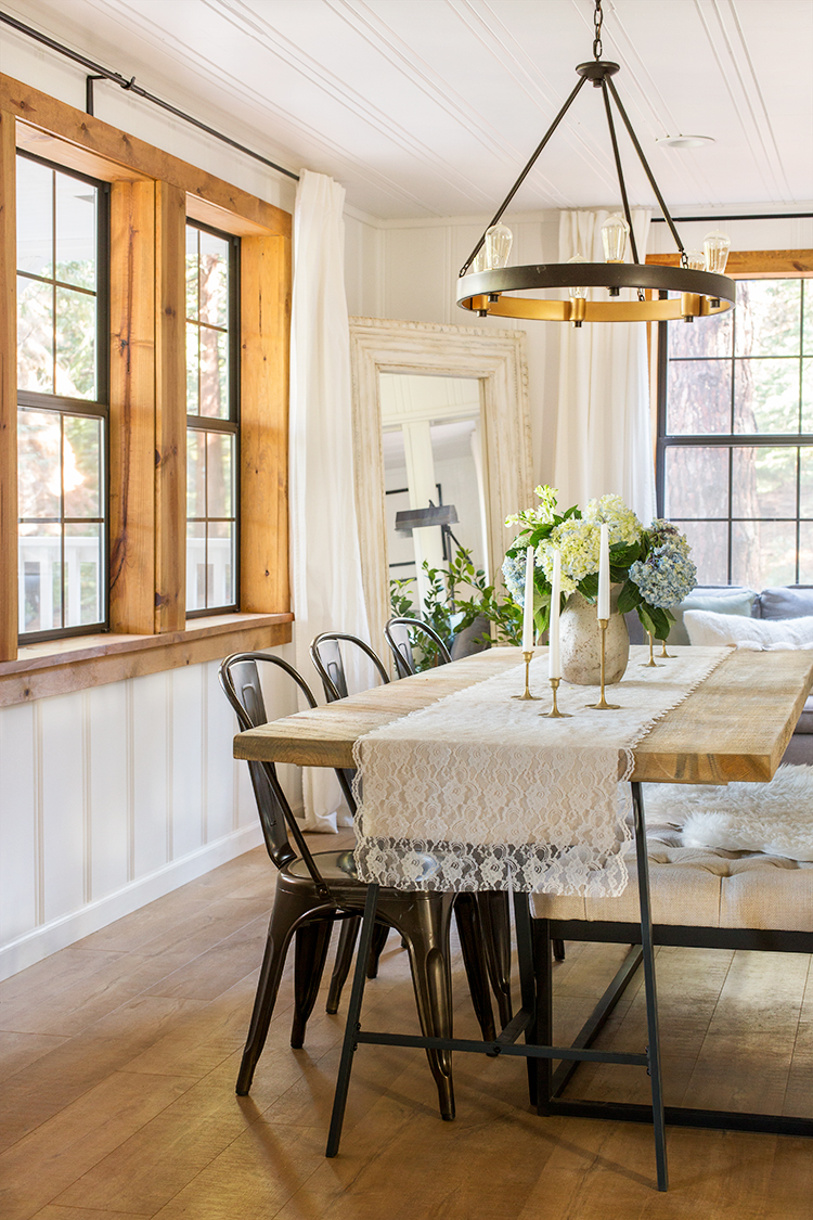 Love the natural wood window casings paired with painted white walls and ceiling