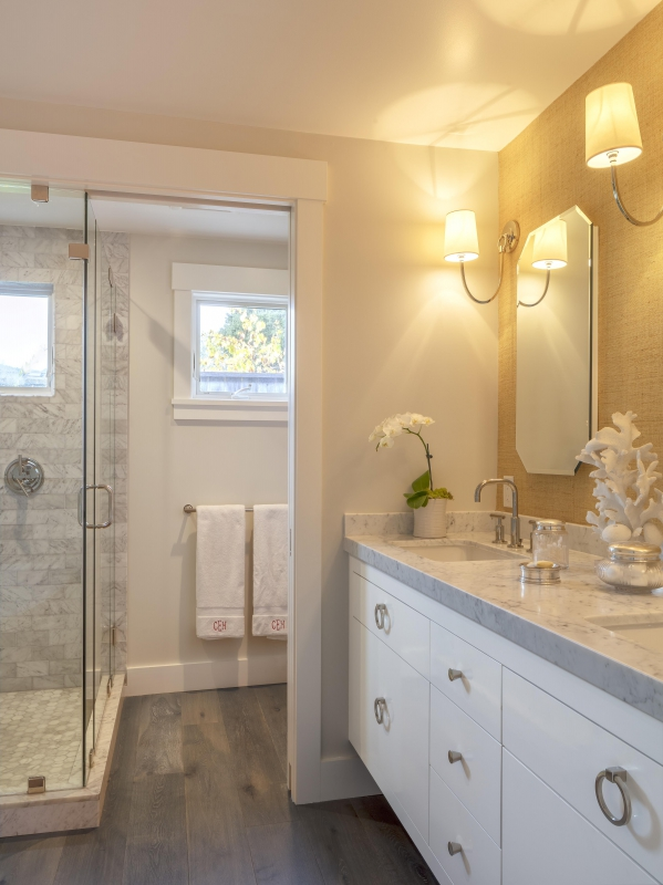 Marble tile and countertop master bathroom