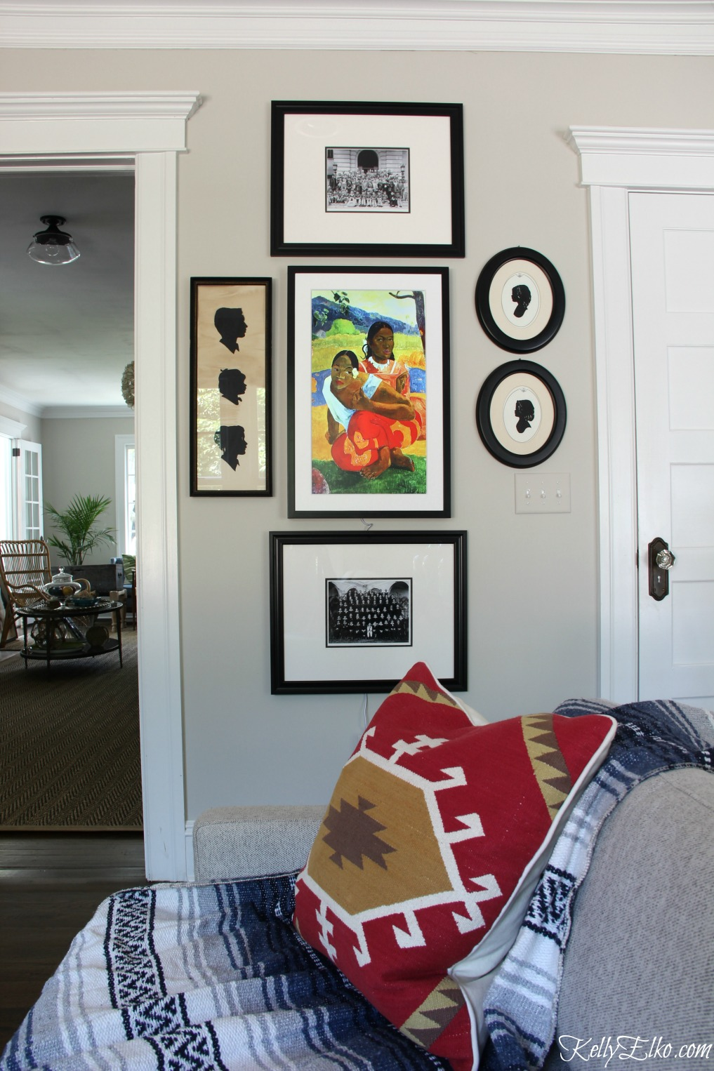Meural Canvas - one frame with a rotating selection from 30,000 pieces of art kellyelko.com