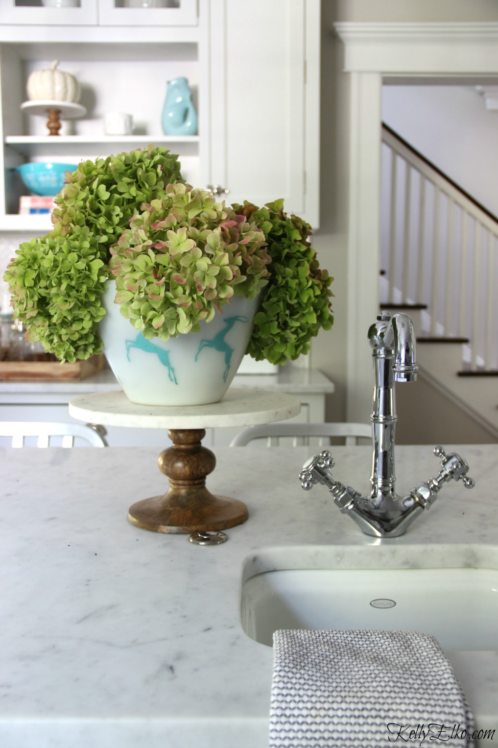 Love this vintage bowl filled with fall hydrangeas kellyelko.com