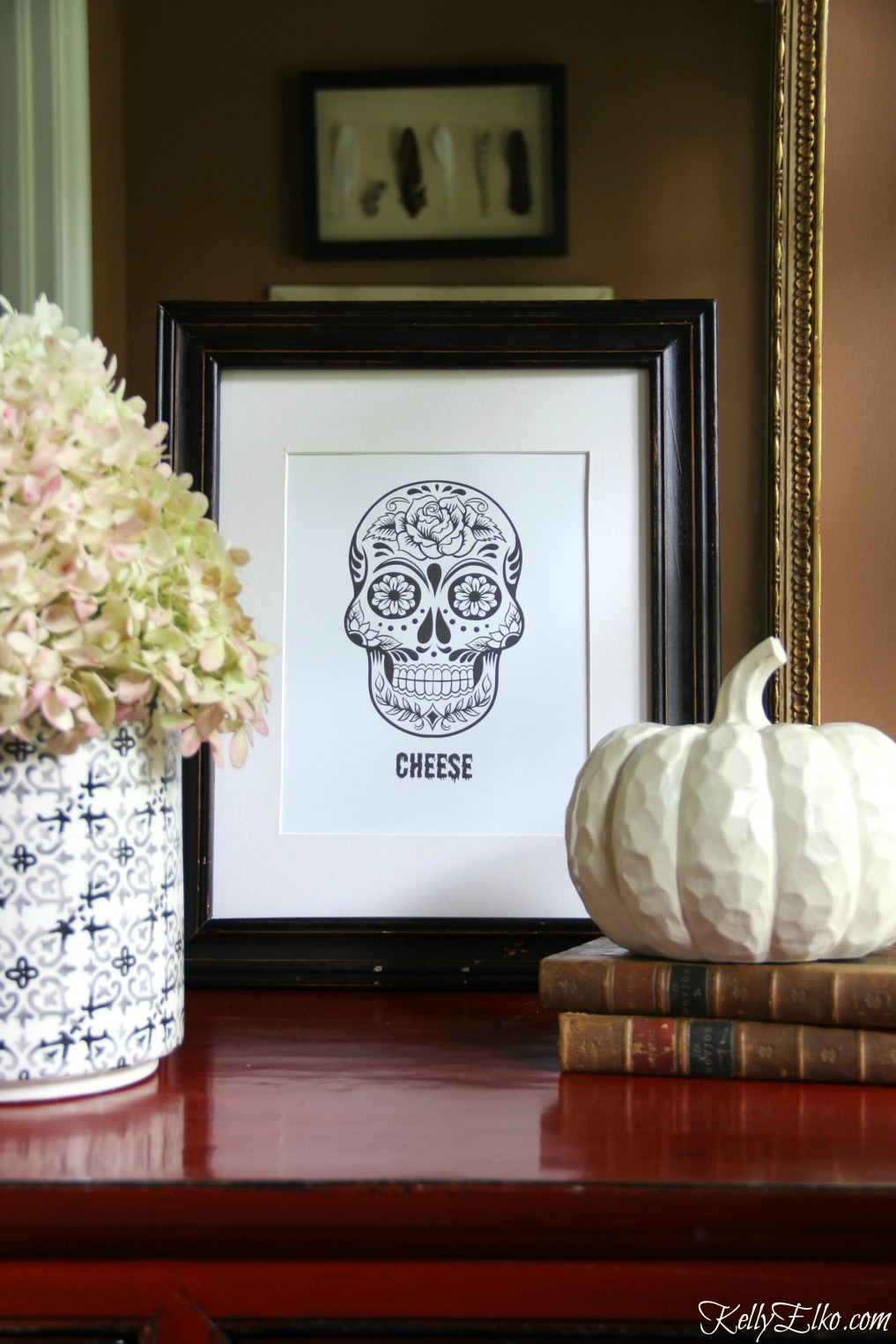 "Day of Dead Printable - love that the grinning skull says ""cheese""! kellyelko.com"