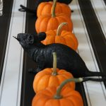 Halloween table black orange kellyelko.com