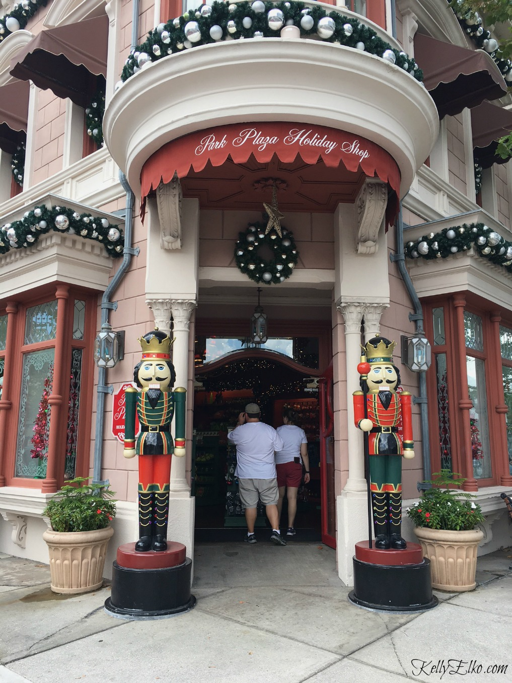 Christmas shop at Universal Orlando Resort kellyelko.com