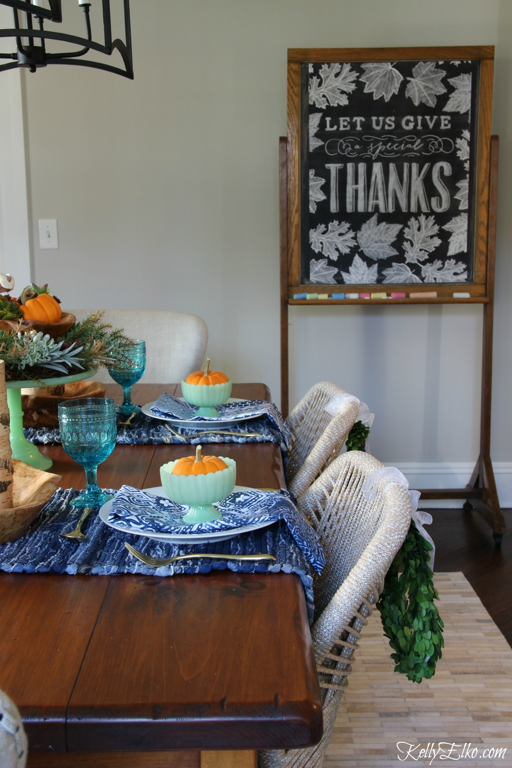 Beautiful fall table and love the Thanksgiving centerpiece succulent idea kellyelko.com