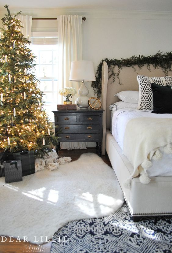 Creative Christmas Decorating Ideas - love this bedroom with Christmas tree