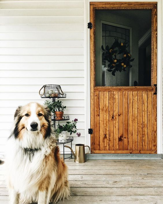 Farmhouse tour - Love the wood screen door!
