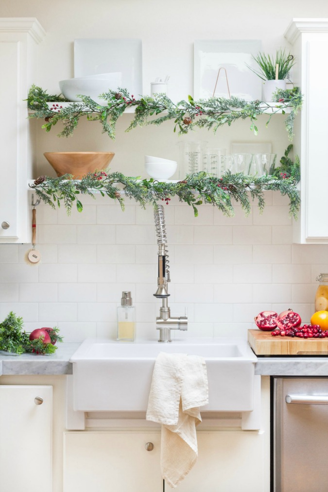 Creative Christmas Decorating Ideas - garland on open shelves
