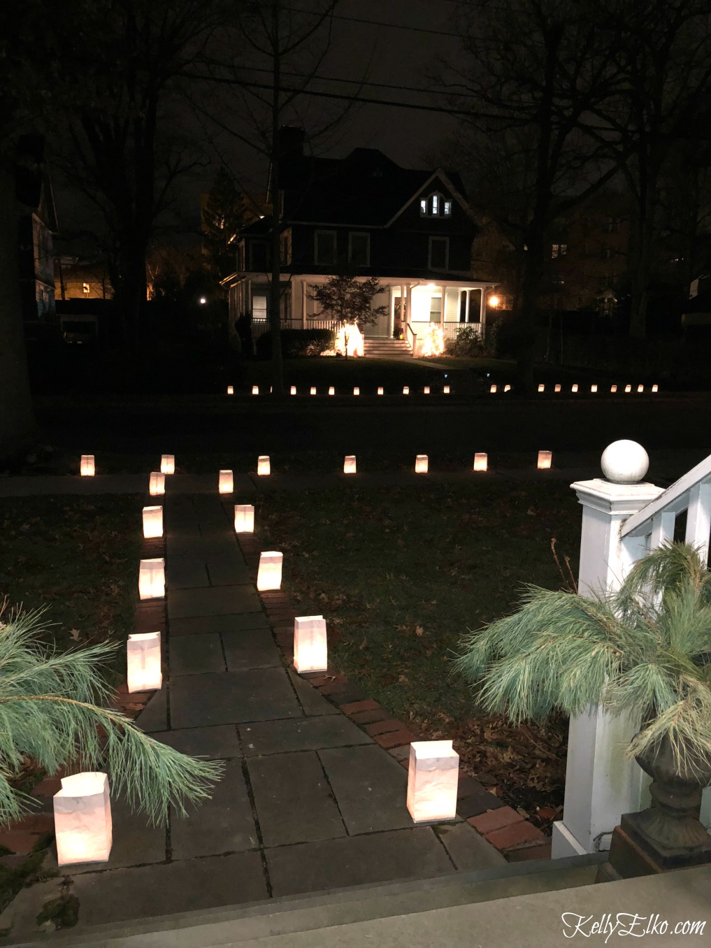 Christmas luminaries - the whole town lines their sidewalks with glowing luminaries kellyelko.com