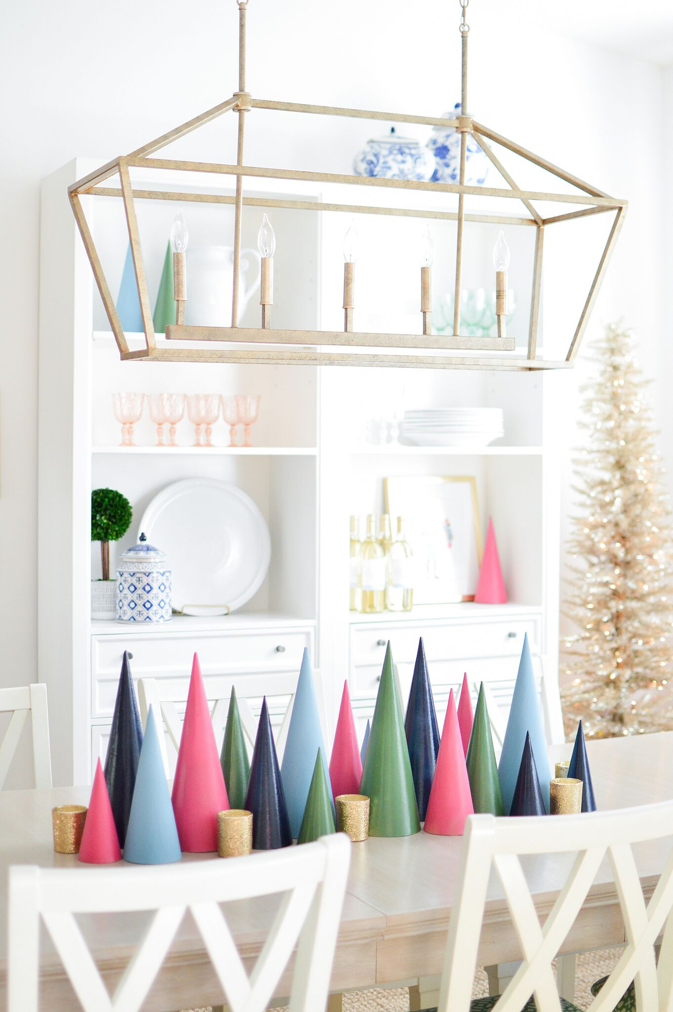 Christmas Eclectic Home Tour - love this modern take on Christmas trees