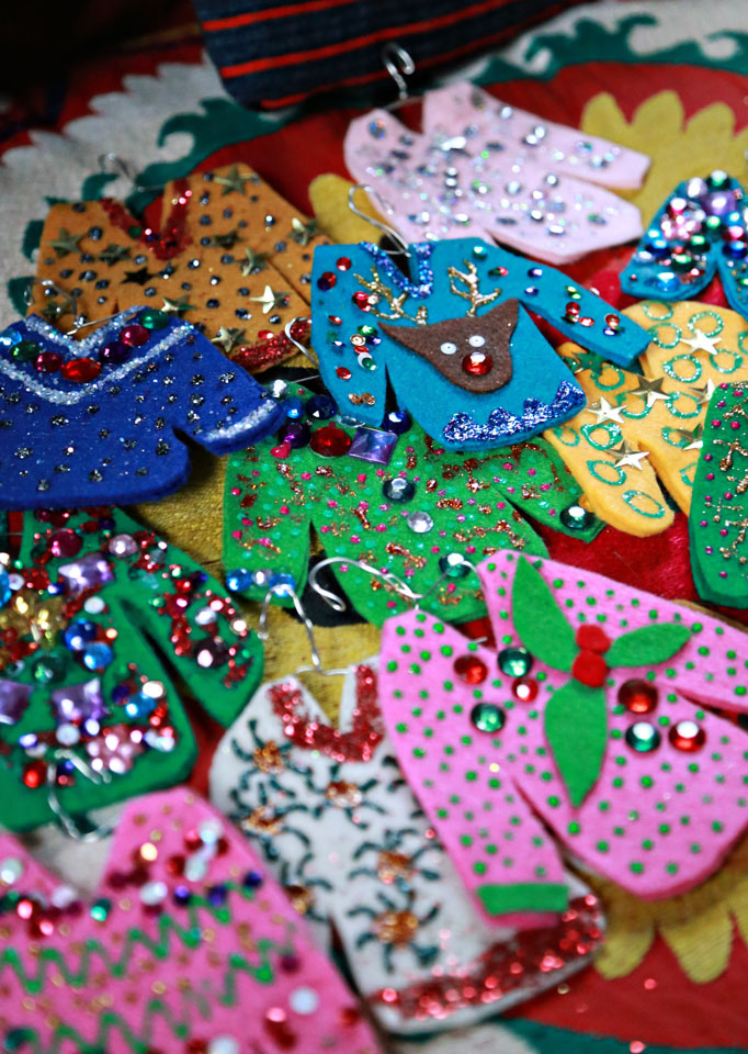 How fun are these handmade ugly sweater ornaments