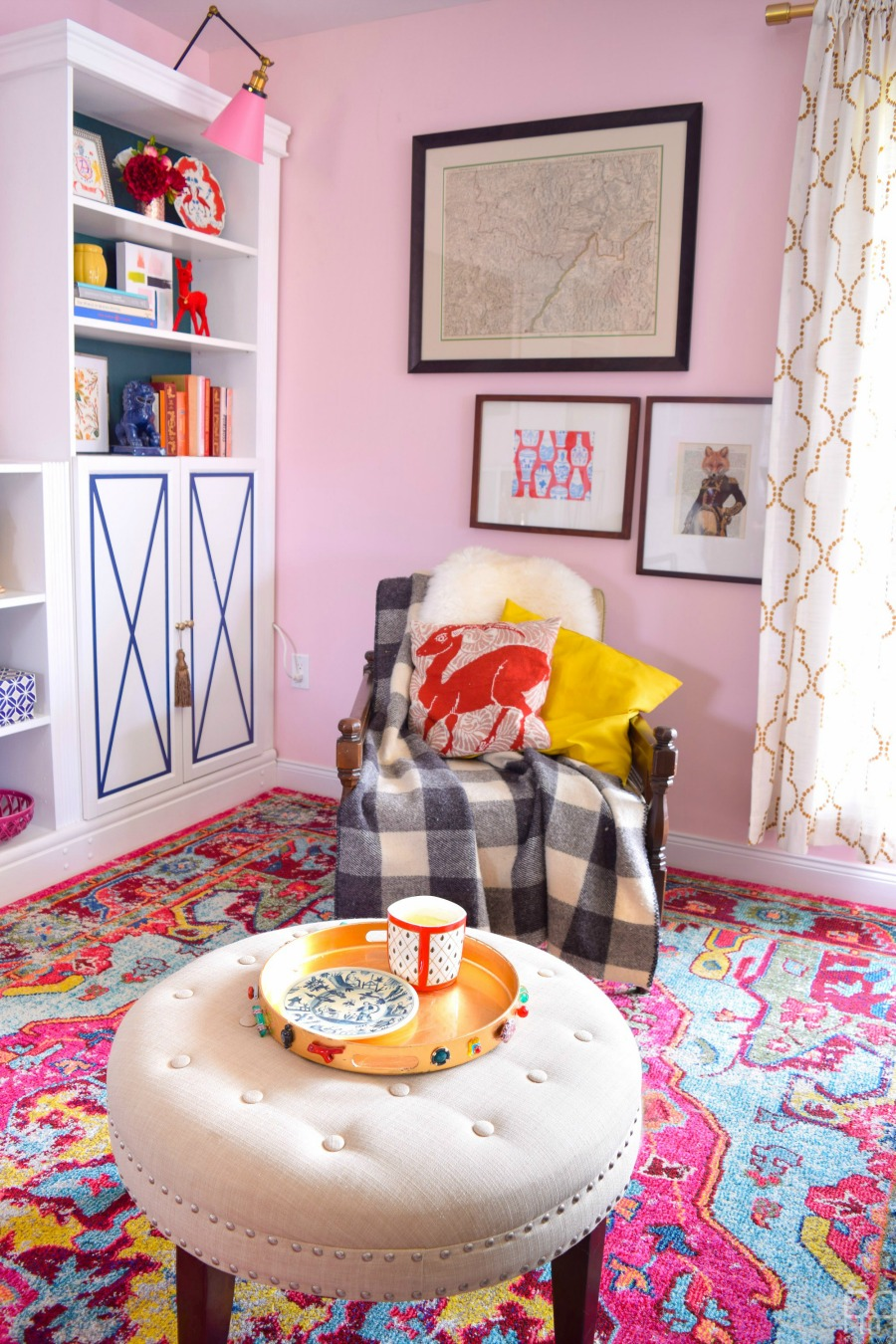 Eclectic Home Tour of PMQ for Two - get tons of renter friendly decorating and DIY ideas and paint ideas