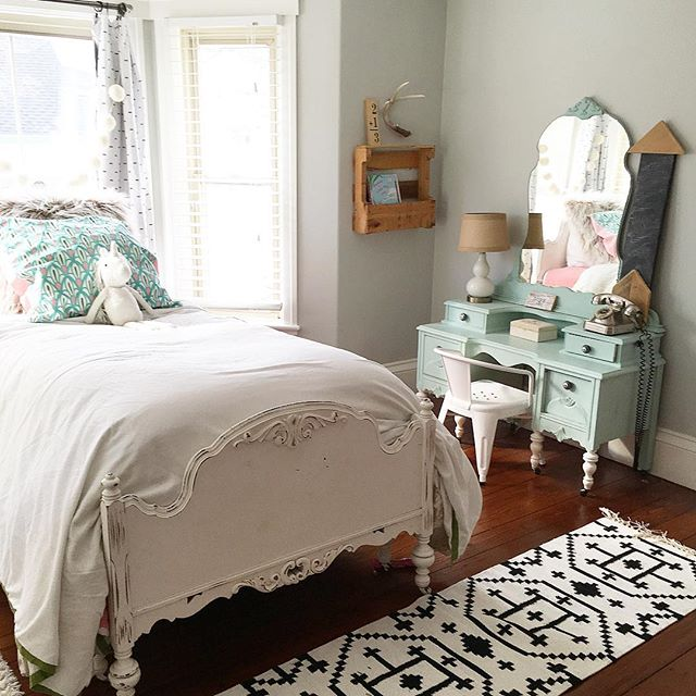 Eclectic Home Tour of Liv and Grace Restored - love this little girl bedroom with vintage furniture updated with paint kellyelko.com