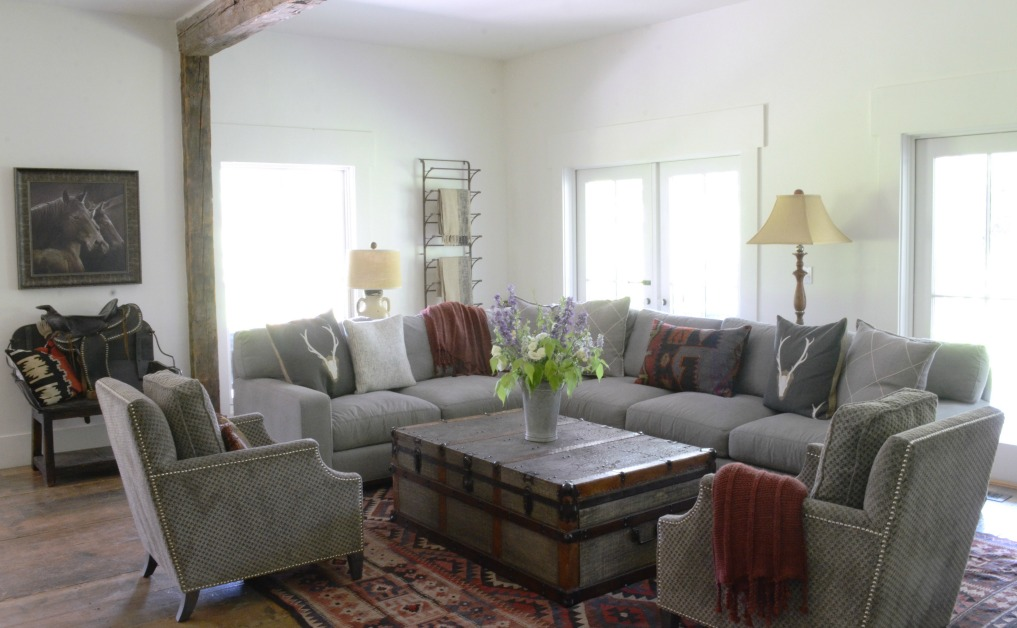 Eclectic Home Tour of Sanctuary Home - welcome to Crow Hollow Ranch. This 500 acre property is complete with farmhouse, guest house and rustic cabin kellyelko.com #hometour #kitchen #rusticdecor #barnwood #whitekitchen #homedecor #sectional