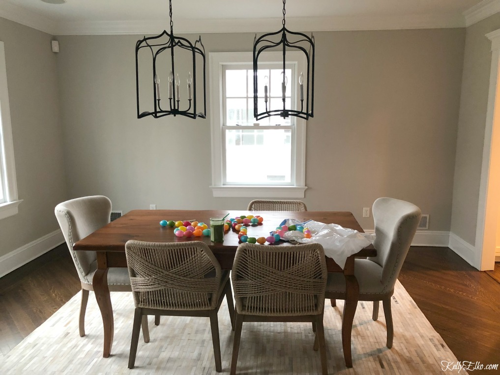 Before dining room - wait until you see the amazing after and what she did to the walls! kellyelko.com #diningroom #graypaint