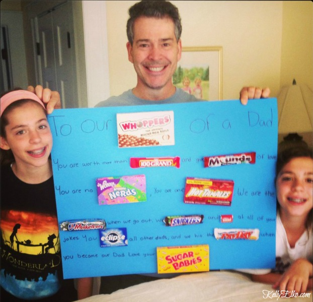 Father's Day Candy Gram Poster - what a fun idea to personalize a card for dad using candy kellyelko.com #fathersday #candygram