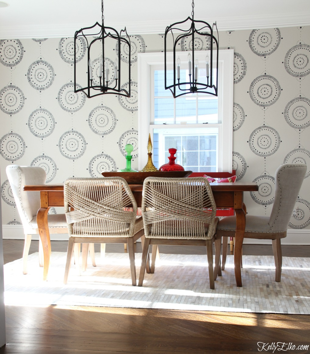 Forget wallpaper! This hand painted mural is like faux wallpaper minus the expense kellyelko.com #wallpaper #mural #diningroom #wallart #handpainted