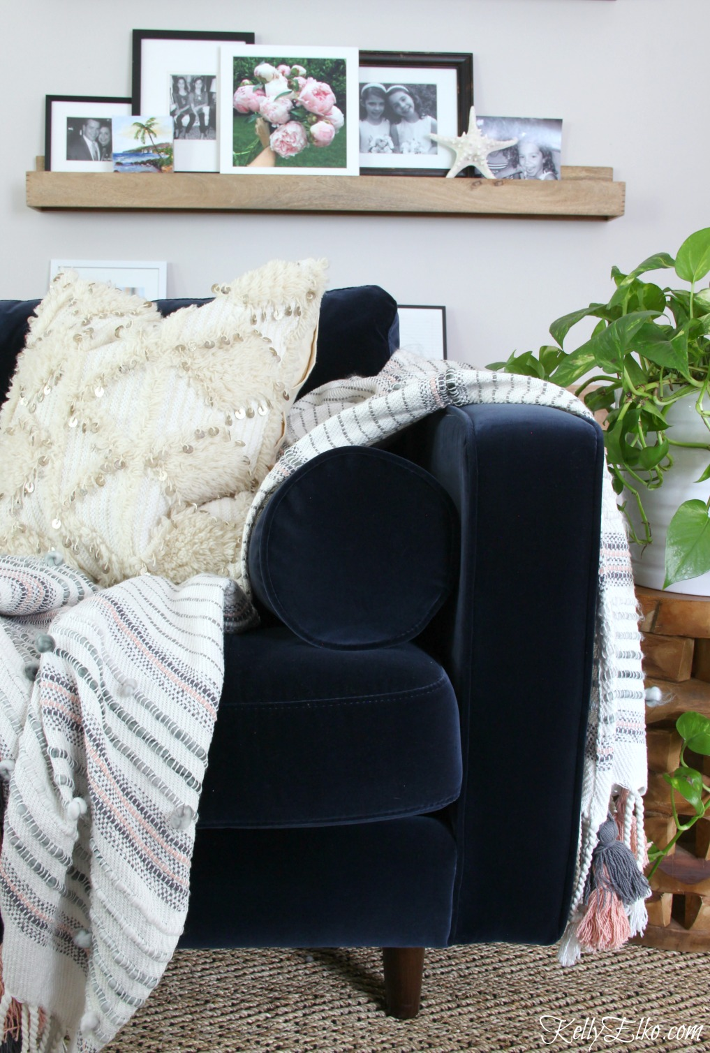 Fantastic Sven Sofa Review And A Sofa Giveaway Kelly Elko Dailytribune Chair Design For Home Dailytribuneorg