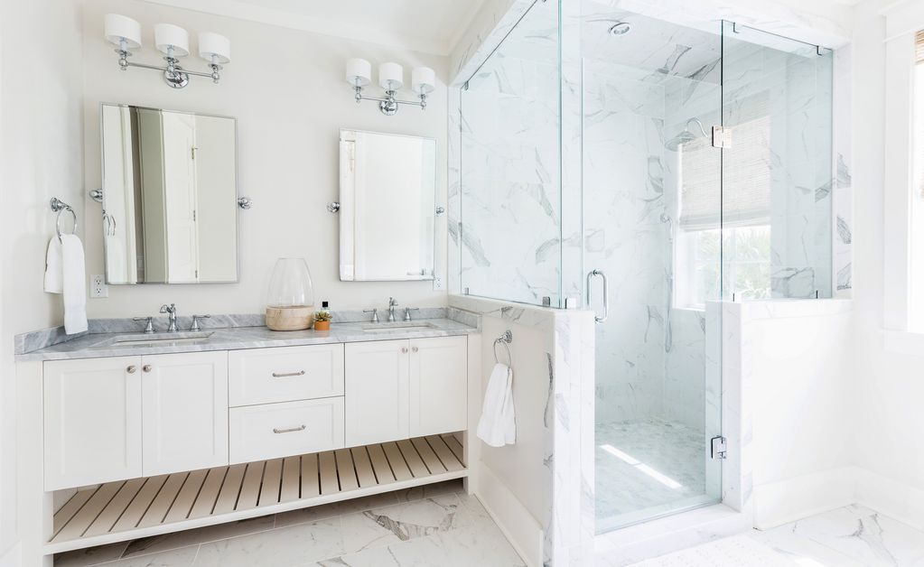 Beautiful marble bathroom with double vanity kellyelko.com #bathrooms