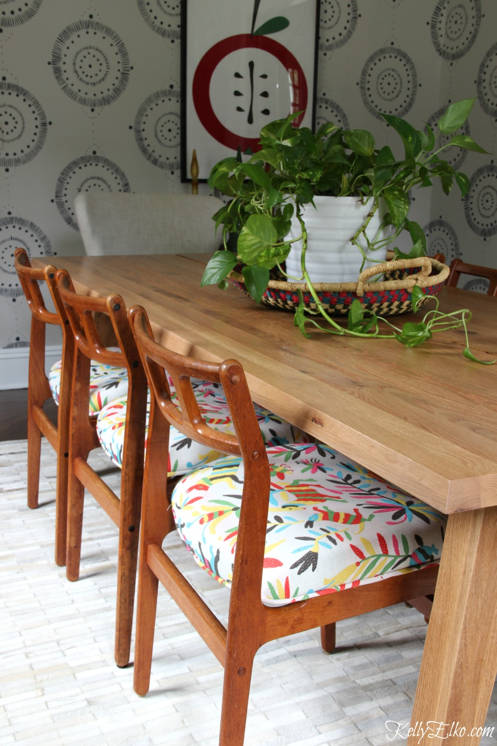 Article Dining Table and vintage chairs with otomi fabric kellyelko.com #diningroom #diningtable #ourarticle #otomi #colorlovers #midcentury #danishmodern #vintagestyle #eclecticstyle #bohostyle