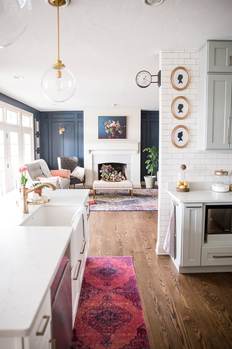 Eclectic Home Tour of Sincerely Sara D - love her colorful approach to decorating kellyelko.com #hometour #housetour #kitchen #kitchenreno #eclecticstyle