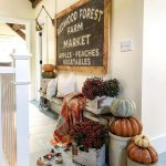 Eclectic Home Tour - Cobbler Shop on Concord kellyelko.com #farmhouse #farmhousedecor #cottagestyle #fall #falldecor #hometour
