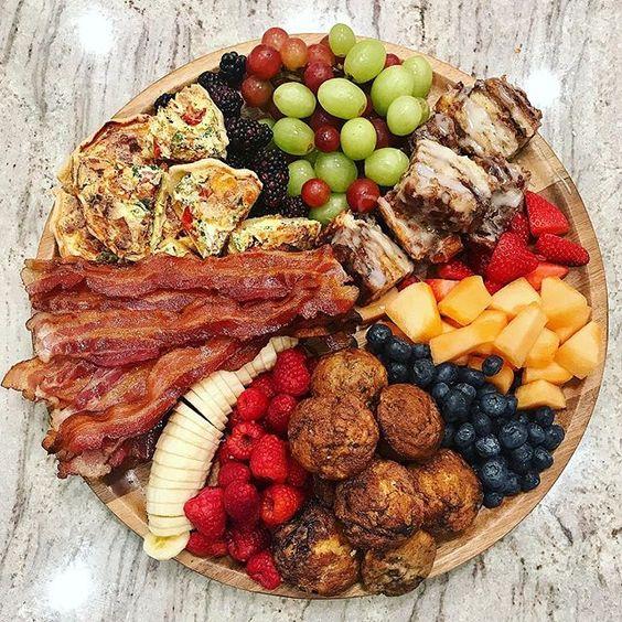 Love this breakfast tray kellyelko.com #breakfast #breakfastrecipes #recipes #partyfood #brunchideas #brunchrecipes