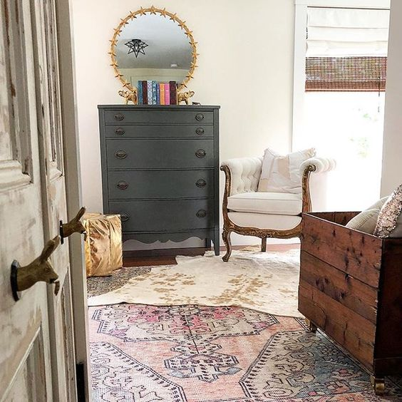 Eclectic Home Tour of The Cobbler Shop on Concord - love this little girls rustic bedroom kellyelko.com #farmhouse #farmhousedecor #interiordecor #interiordecorate #bedroom #vintagebedroom #bedroomdecor #cottagestyle #hometour #housetour