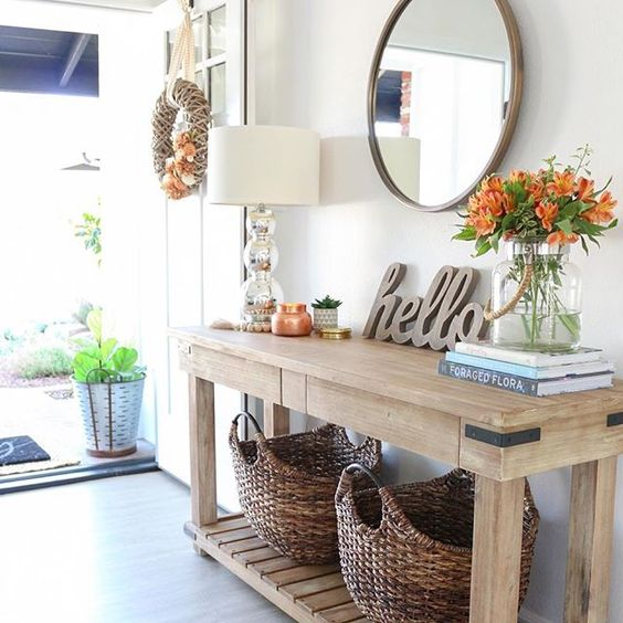 Eclectic Home Tour 1111 Light Lane kellyelko.com #farmhouse #farmhousekitchen #hometour #farmhousestyle #farmhousedecor #cottagestyle #interiordesign #interiordecor #foyerdecor #entrydecor #consoletable